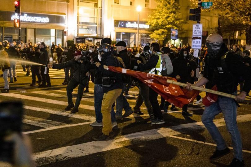 Tuče i sukobi na ulicama: teška noć za Washinton DC, 15. novembar 2020.